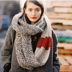 Roots Cabin infinity scarf
